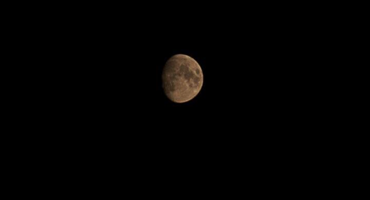 Der  Mond so nah