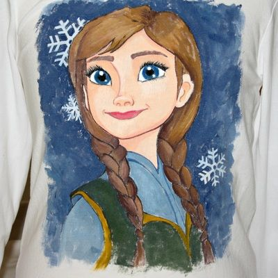 """Hand painted t shirt 