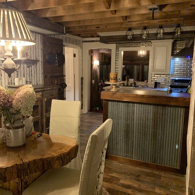 Large Rustic Barnwood Bar In 2020 Rustic Outdoor Bar Barn Wood