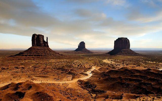 TOP WORLD TRAVEL DESTINATIONS: Monument Valley, Arizona and Utah, USA