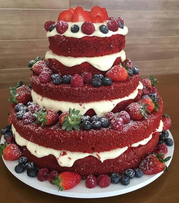 ♥♥♥  Naked cake red velvet com futas vermelhas- feito pela Sra. Larica. Orçamentos aqui: http://www.casareumbarato.com.br/guia/sra-larica/