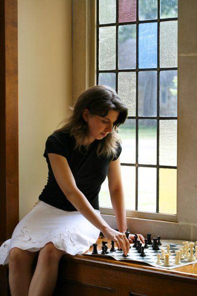 Iryna Zenyuk ChessBaron.co.uk ships internationally