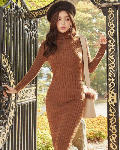 Cable Pattern Turtleneck Knit Dress CHLO.D.MANON | #brown #chic #knit #dress #koreanfashion #kstyle #kfashion #dailylook #falltrend #seoul