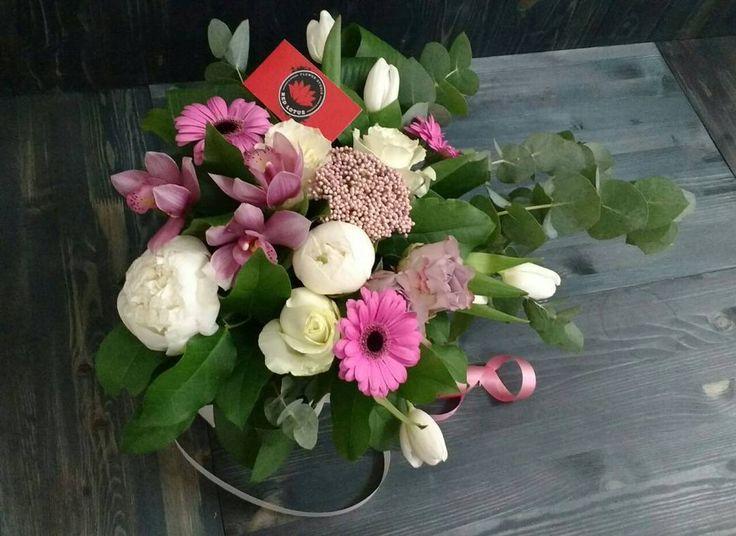 Нежный букетик для милых дам!☺ 2500 р. Номера для заказа: ��+79269476699 ��+74955329838 . . . . .  #flowers #flower #flowerstagram #flowersofinstagram #flowerslovers #flowerstyles_gf #instagramanet #instaflower #instaflowers #instatag #flowerstalking #floweroftheday #flowerporn #flowermagic #flowerpower #букет #букеты #букетик #букетцветов #инстаграманет #цветыжизни #инстатаг #букетвподарок #букетдня #цветы #цвет #цветочки #цветок #цвета #цветочек…