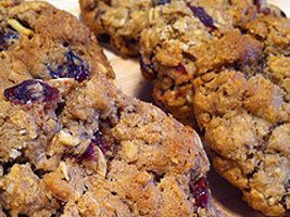 Canyon Ranch Guilt Free Oatmeal Cranberry Chocolate Chip Cookies (recipe and stats)