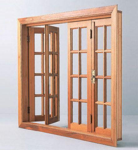 De cedro-real, o vitrô pantográfico da Supermad vem com as ferragens. Medidas: 1,45 x 1,25 m. http://loja.supermad.com.br/