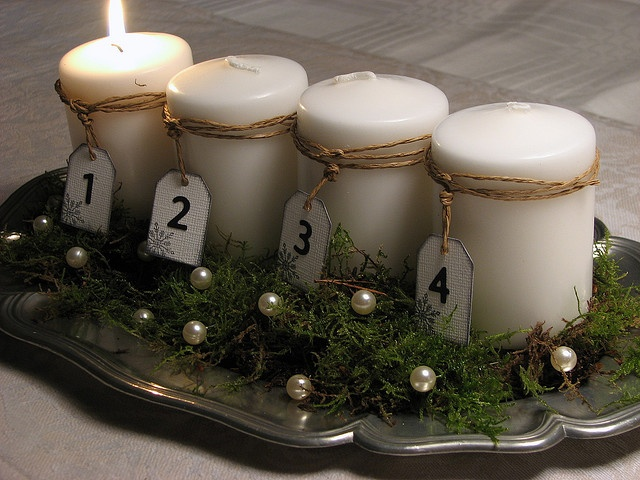 natural numbered advent tray. In Sweden it is tradition to light a candel each saturday in advent.
