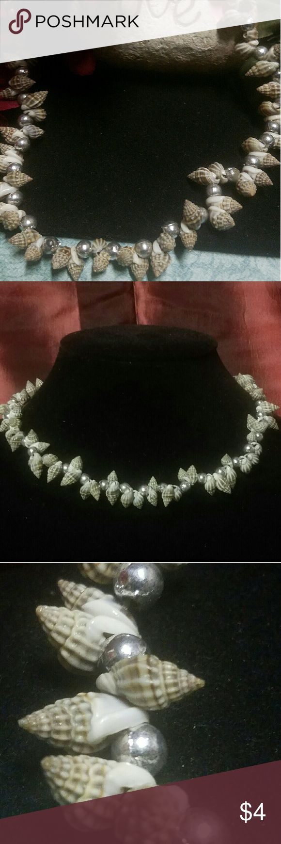 "SEASHELL COLLAR NECKLACE 16"" shell & ball collar necklace. ITEM#N202 ALL JEWELRY IS NWT/ NWOT/ UNUSED VINTAGE  25% OFF BUNDLES OF 3 OR MORE ITEMS! BUY WITH CONFIDENCE~TOP 10% SELLER, SAME DAY SHIPPING, 5 STAR RATING! FREE GIFT(S) WITH MOST ORDERS! Carbon Jewelry Necklaces"