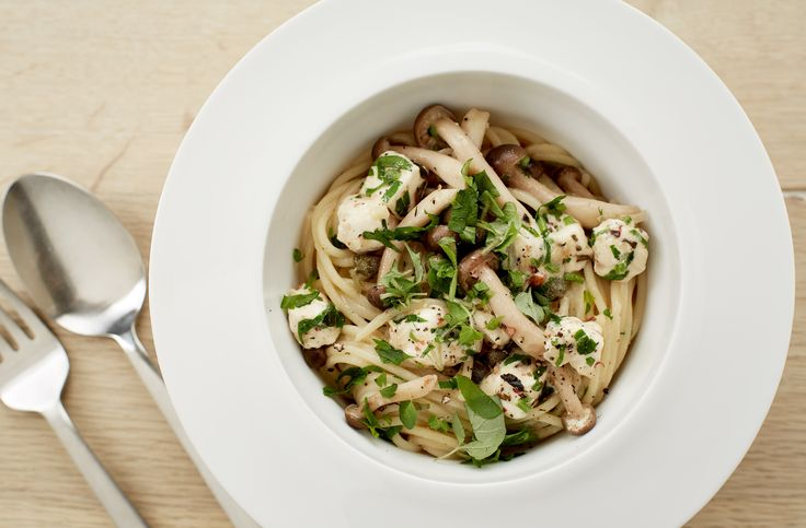 Late summer pasta with mushrooms and almonds