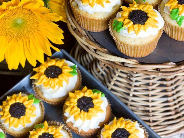 Cupcakes de vainilla con girasoles