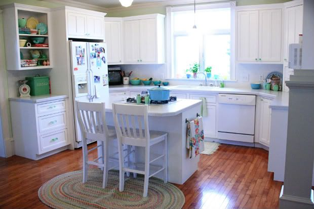 Meadowbrook Farm: the junk house -kitchen edition: Bright Kitchens, Kitchens Remodel, Dreams Kitchens, Kitchens Ideas, Little Kitchens, Kitchens Islands, Meadowbrook Farms, Country Kitchens, Farms Kitchens