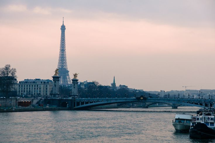 At sunset: Tour Eiffel & La Seine
