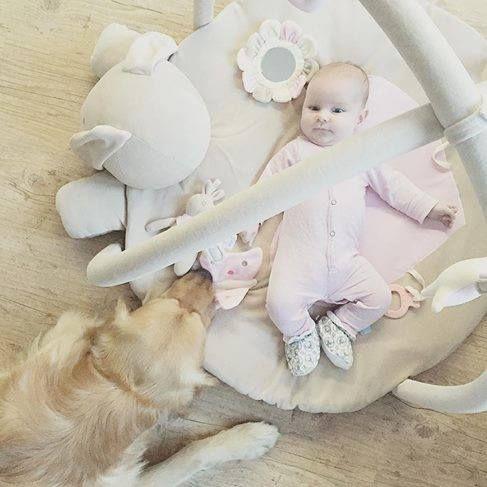 Mała Pola w Dear Eco - dziękujemy mamie -Zatrzymując czas (http://www.zatrzymujacczas.pl)
