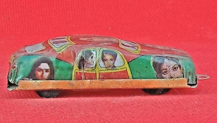 Vintage Old Tin Car Litho Print Actor/Actress Pull/Push Non Mechanical Toy  #Unbranded