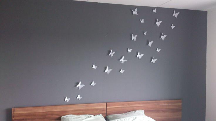 25 beste idee n over grijze slaapkamer op pinterest grijze slaapkamer kleuren grijze - Grijze muur deco ...