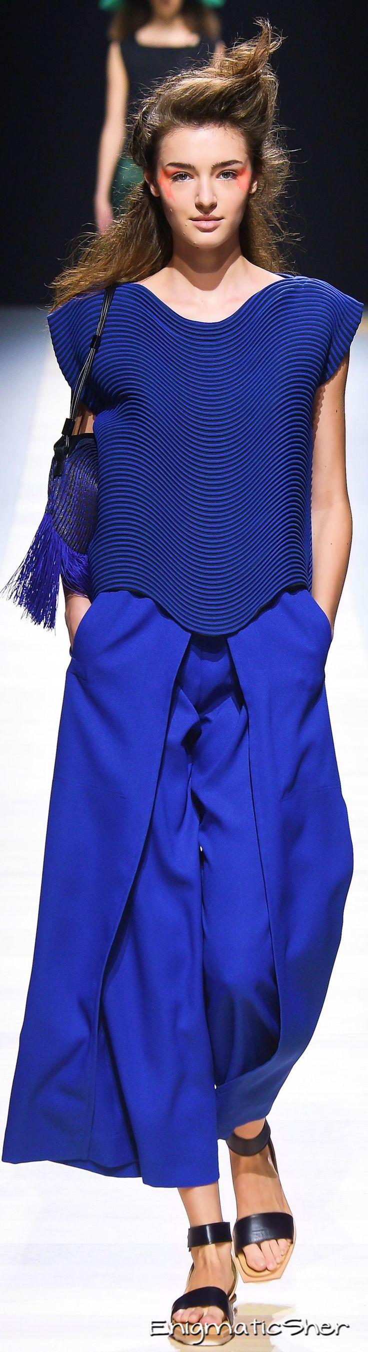 Issey Miyake Spring 2016 Ready-to-Wear