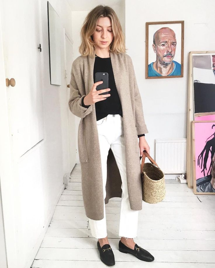 "6,673 Likes, 59 Comments - Brittany Bathgate (@brittanybathgate) on Instagram: ""Lounge bound this afternoon for a staycation at @thehoxtonhotel """