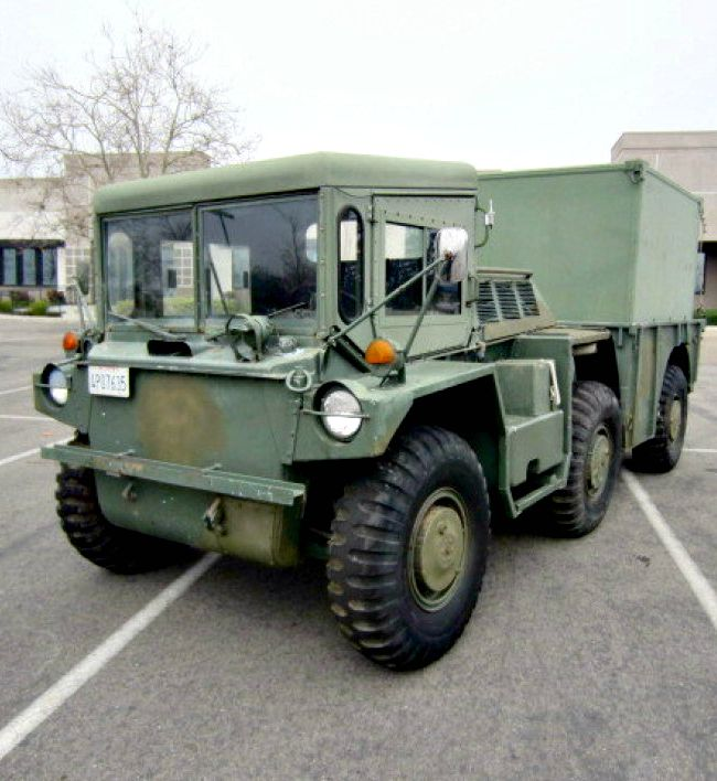 les 15 meilleures images du tableau vehicules militaires sur pinterest vehicule v hicules. Black Bedroom Furniture Sets. Home Design Ideas