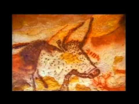 Lascaux é um complexo de cavernas ao sudoeste de França, famoso pela suas pinturas rupestres. A disposição da caverna, cujas paredes estão pintadas com bovíd...