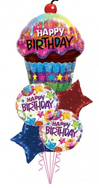 """A falta de pastel, un cupcake. Aunque uno de verdad sería muy pequeño y no duraría ni dos segundos. Por fortuna, aquí tenemos uno gigante para que festejes a lo grande a quien tú quieras. Será la mejor manera de gritarle """"¡Feliz cumpleaños!""""  https://azapregalos.com/florerias/df/globos/cupcake-birthday"""
