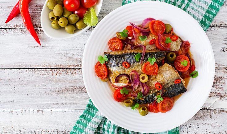 Σκουμπρί στο φούρνο με λαχανικά