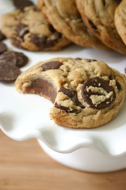 brown butter bourbon chocolate chip cookies <3