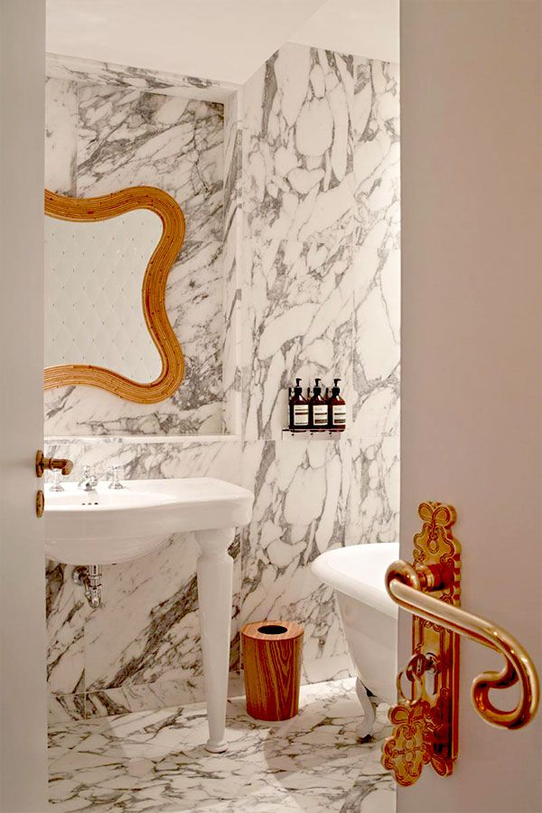 Bathroom - hotel thoumieux : paris,  france
