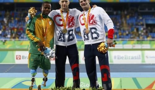 South African Ntando Mahlangu recovers from a sluggish start to scoop the silver medal in the 200m at the Paralympics.