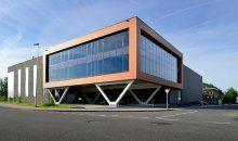 De volledige nieuwbouw is in duurzame prefab beton gerealiseerd. Hierdoor kan Hofa in de toekomst eenvoudig het dak voorzien van zonnepanelen.