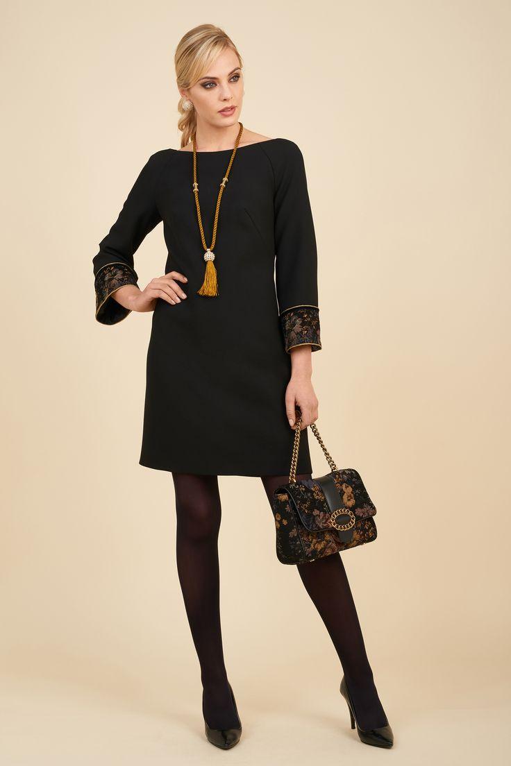 Dress with Gobelin fabric insert and rear velvet ribbons, Ivona bag.