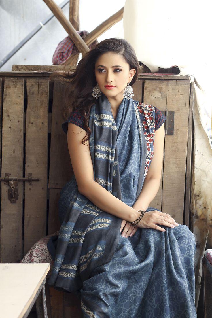 #sari #saree #silk #print #indigo #womenswear #silver #earrings #jhumka #Fabindia