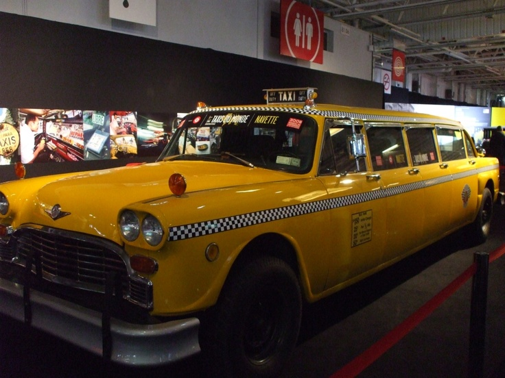 Taxi limousine. Chicago stretch
