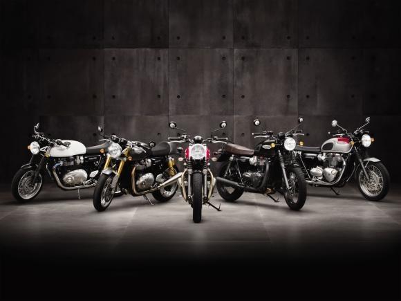 A partir desta terça-feira, dia 10 de maio, as concessionárias Triumph iniciam a pré-venda de três novos modelos de motocicletas da linha Bonneville, apresentada mundialmente no final do ano passado.