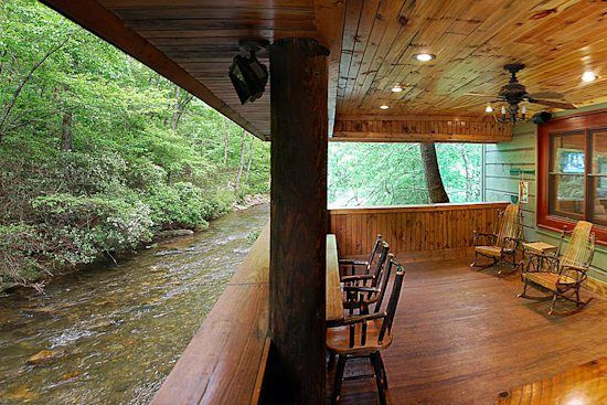 Helen GA Cabin Rentals | A River Runs Thru It | Luxury Rental home on the Chattahoochee