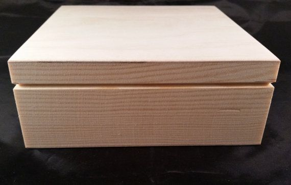 Unfinished Wood Box 17.5x17.5x7cm Natural by ModelsAndCraftShop