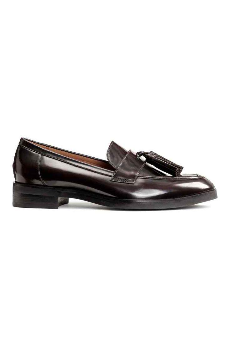 Loafer aus Leder : PREMIUM QUALITÄT. Loafer aus Leder mit spitzer Zehenpartie…