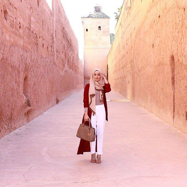 Ruba Zai @Hijabhills - Badia Palace. Wow! I don't wear hijabs but she looks gorgeous, nice outfit