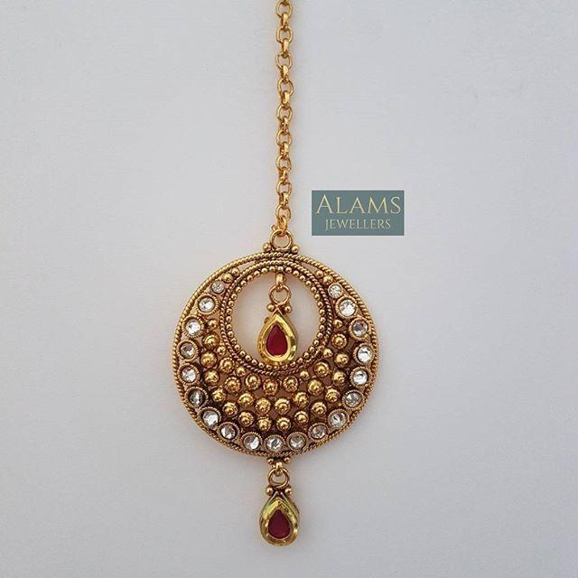 • Stunning tikka. £8 with free UK postage and packaging. Please DM with your enquiries. #alamsjewellers #jewellery #indianjewelley #asianjewellery #indianbride #bangladeshibride #pakistanibride #pakistanifashion #southindianbride #southindianjewellery #gold #bangles #mala #necklace #tikka #tikli #earrings #jhumar #hudabeauty #zukreat #vintage #antique #mua #bridaljewelry