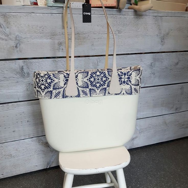 19 vind-ik-leuks, 2 reacties - Christine Wijsbeek (@kdootjes) op Instagram: 'Ivory #obag,  blue Rivièra trim with zip fastening and Ivory slim handles 😍 #obaglove . . . . .…'