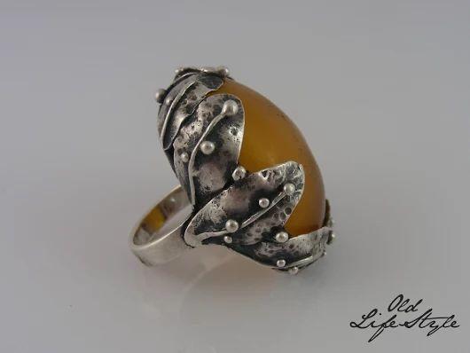 Pierścionek ORNO/ silver ring ORNO/ polish vintage jewellery/ polish PRL jewellery/ polish jewellery with amber vintage ring/ vintage silver jewellery #vintagejewellery #polishjewellery #PRLjewellery #polskabiżuteria #polskabiżuteriaPRL #ring #amber #ORNO