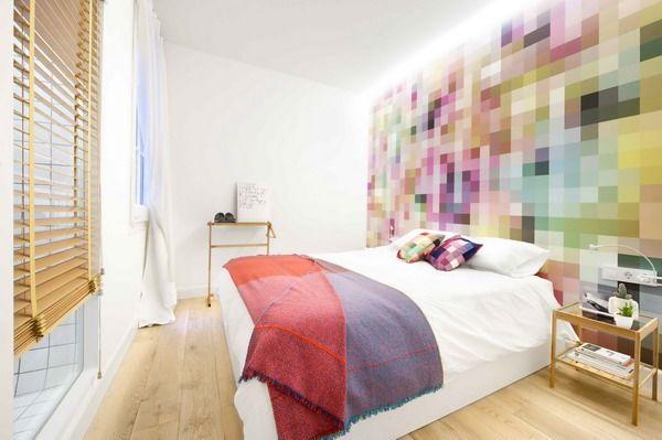#Dormitorio con mucho color. #Suelo de madera.