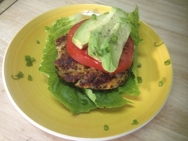 The Quinoa Burger replaces fatty ground beef for 2 exceptionally nutritious superfoods! #quinoaburger #meatlessmonday #quinoa