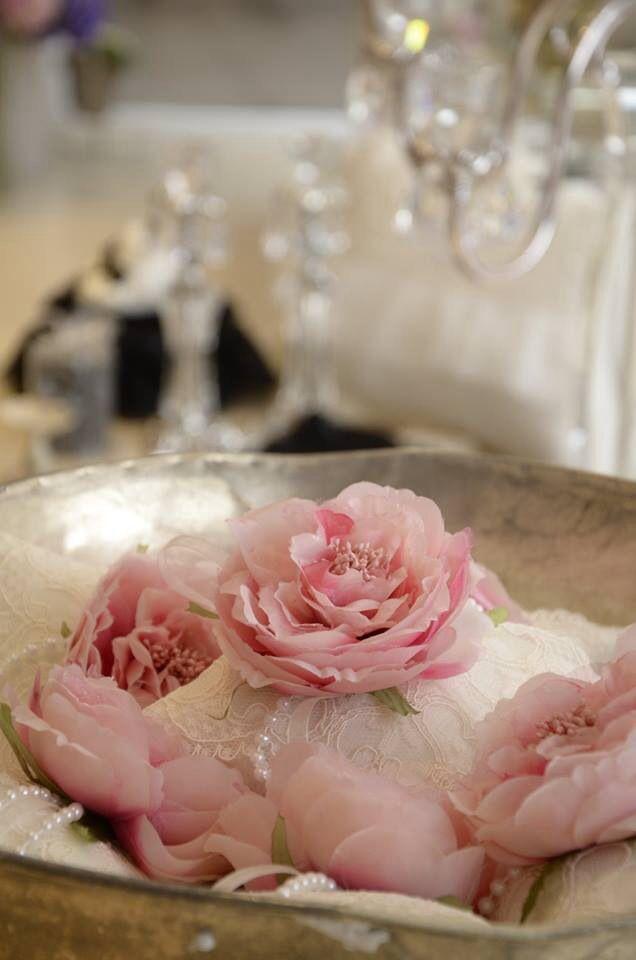 Pembe Düşler,mis Kokularla Güne Hoşçakal Deyin,bir Tepsi çiçeğin  Açamayacağı Kapı Yoktur,. Couture