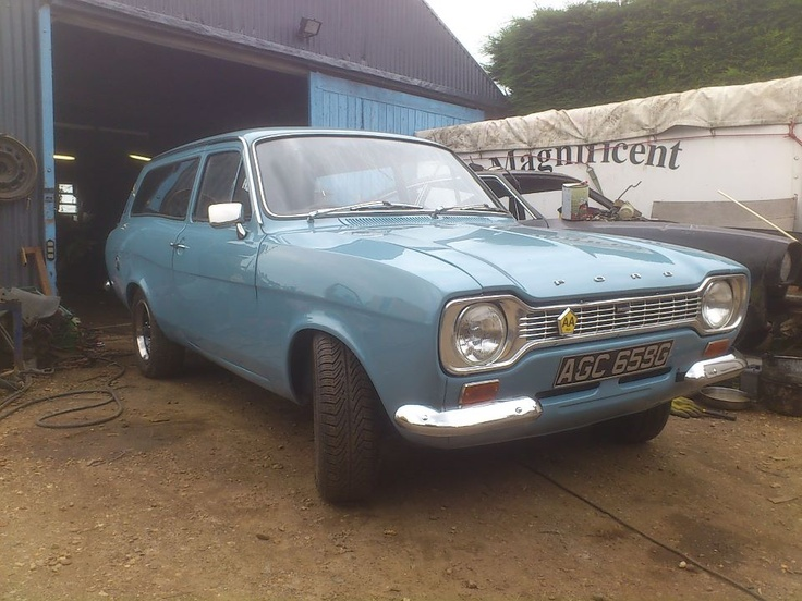 1969 Ford Escort Estate. I had one like this, same year too ... - http://perrunarkrogsater.com/