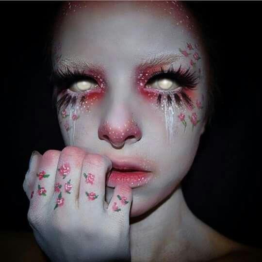 Kimberlymargarita_ Beautiful yet creepy... I'm ok with that ;) #beauty #makeup…