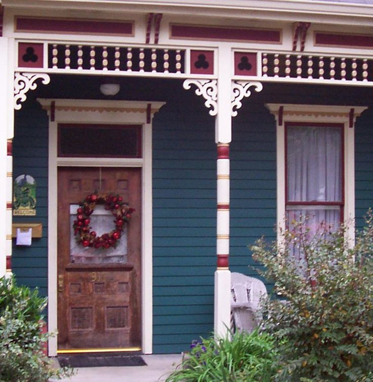 1000 images about house colors on pinterest exterior for Folk victorian interior