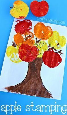 Apple Stamping Tree Craft #Fall craft for kids to make | http://CraftyMorning.com #preschool #kidscraft