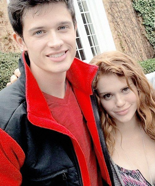 Holland Roden ft. Michael Fjordbak (young Peter Hale) | Teen wolf backstage