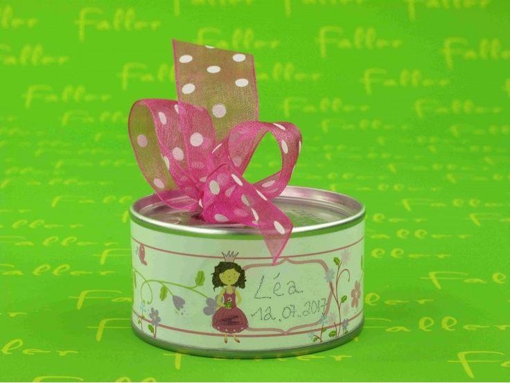 Dragées baptême dans boite de conserve déco princesse