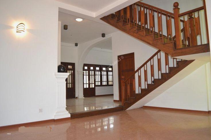 Sri lanka house roof designs more picture sri lanka house for Modern house designs in sri lanka